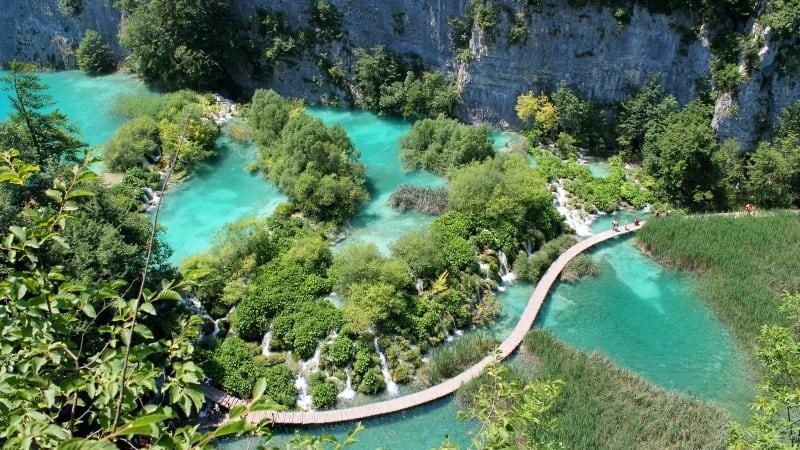Daily trips: Plitvice lakes